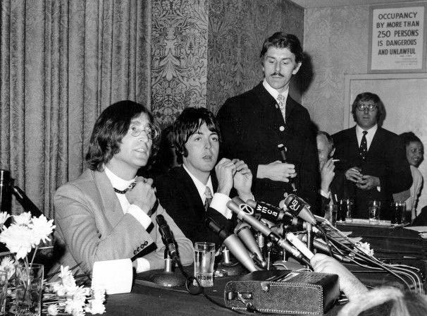 On May 1968, John Lennon and Paul McCartney traveled to New York City, to announce the Beatles' newly-formed company, Apple at a press conference held at the Americana Hotel.