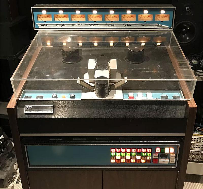 EMI's 3M M79 8 track recorder (circa 1968)